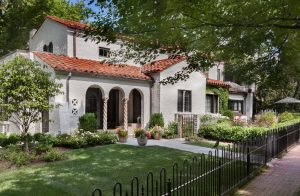 Chevy Chase front yard landscaping