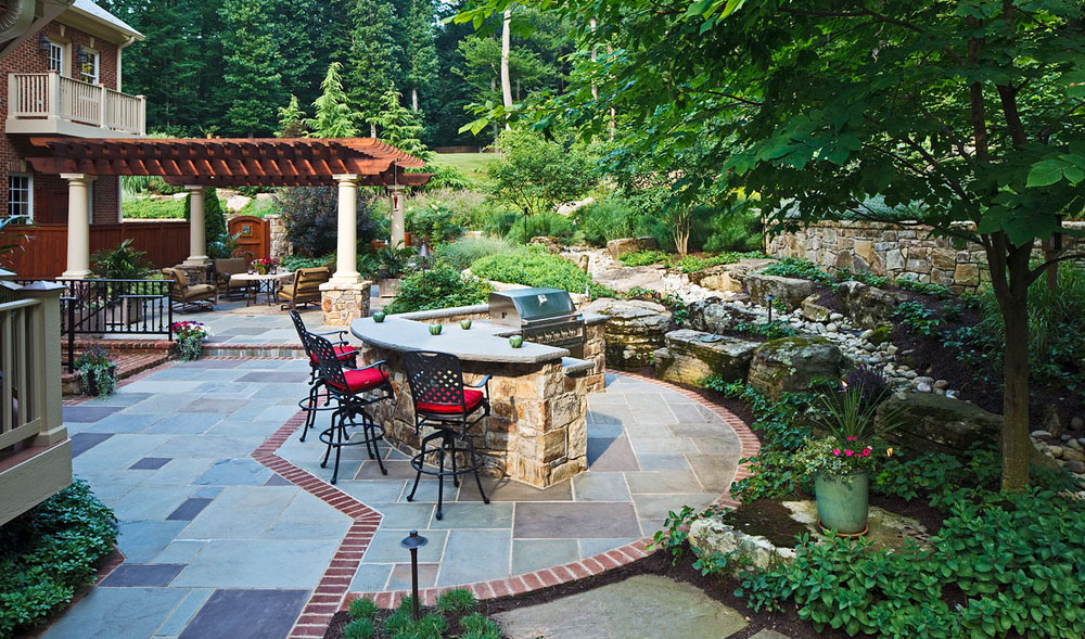 outdoor kitchen on flagstone patio