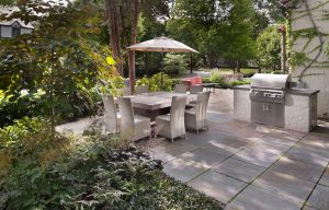 Chevy Chase backyard dining patio
