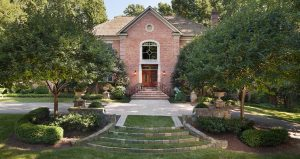 traditional style privacy landscaping