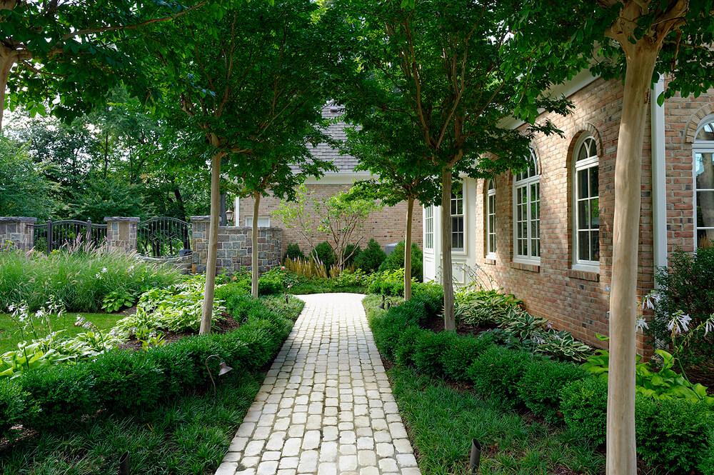 cobbled garden walkway