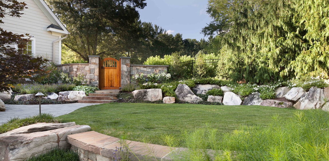 compositional use of fieldstone boulders in landscaping