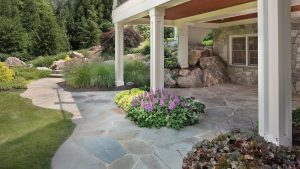 flagstone patio with custom curving edges and mortared joints