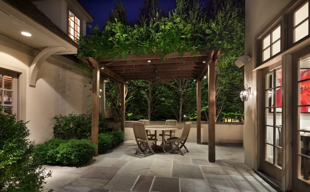 chevy-chase-english-garden-pergola