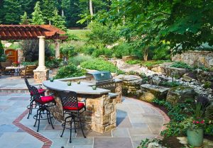 outdoor kitchen with split level counter top