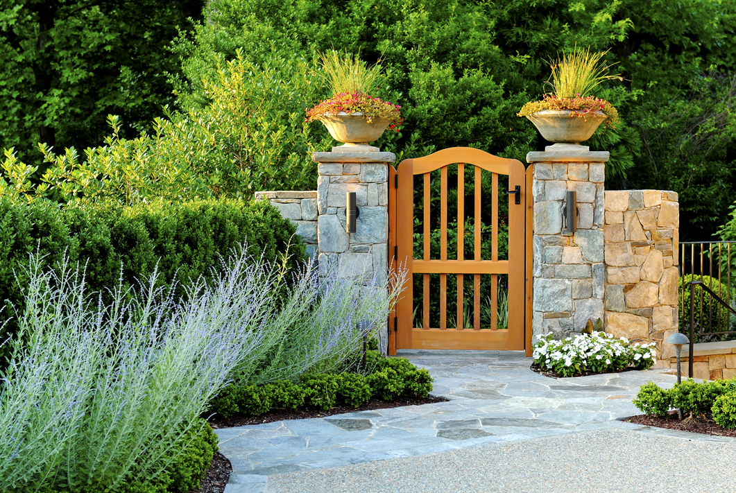 bluestone gateway walls & walkway