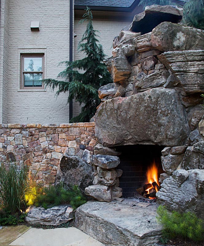 7-fireplaces-rustic-giant-boulders