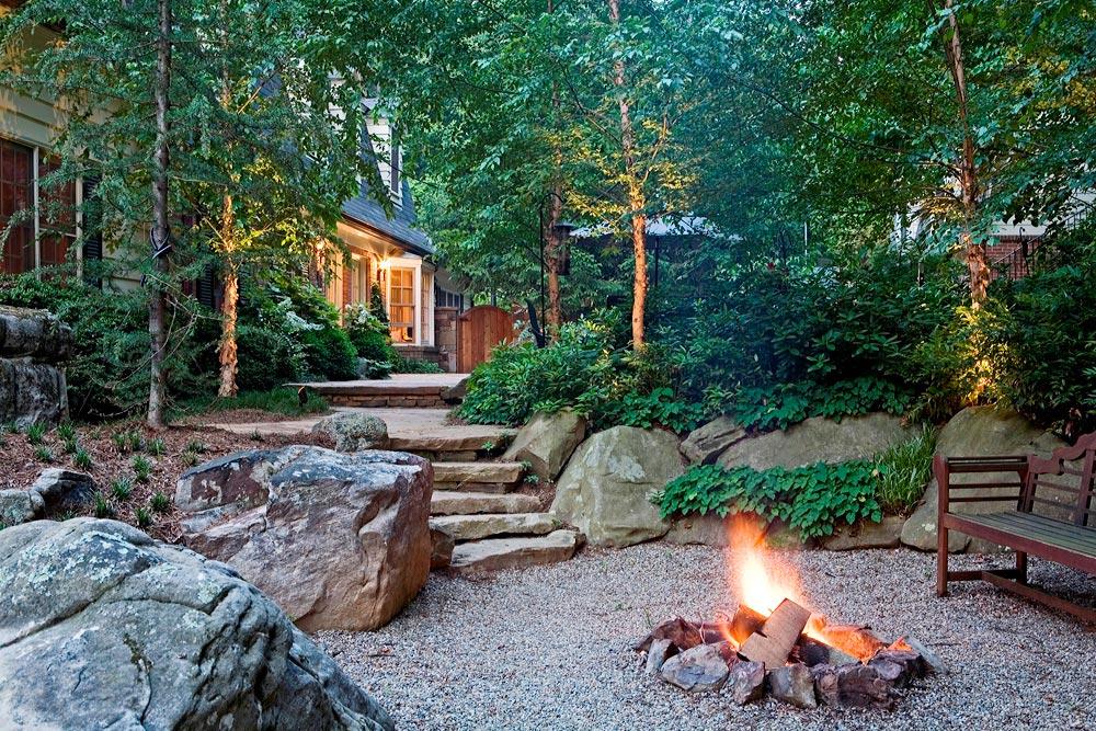 BR-S10-gravel-patio-firepit-boulders