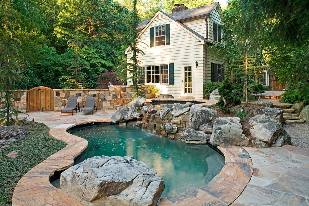 BR-S3-spa-pool-boulders-gate-flagstone
