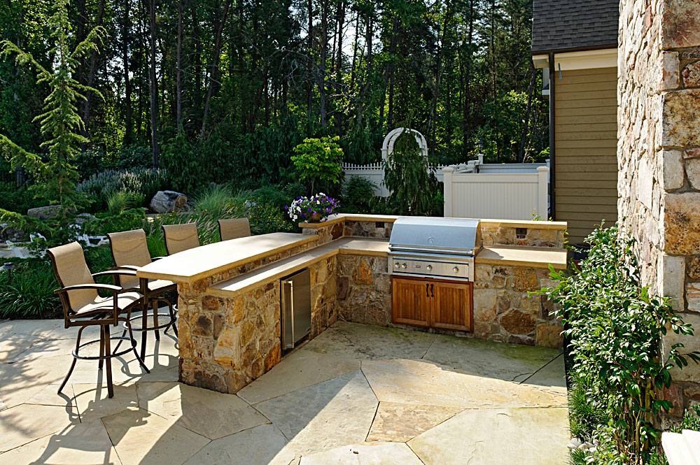 CHI8-stone-built-in-outdoor-grill-bar-fridge