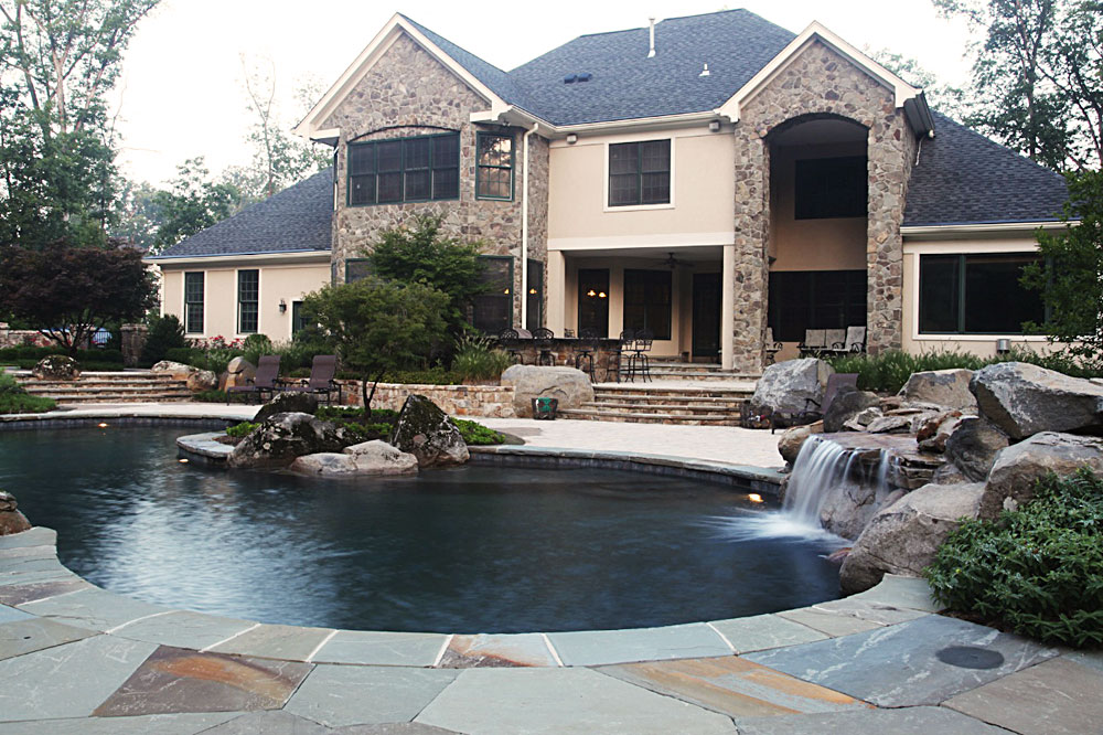 DA3-flagstone-irregular-pool-deck-boulders