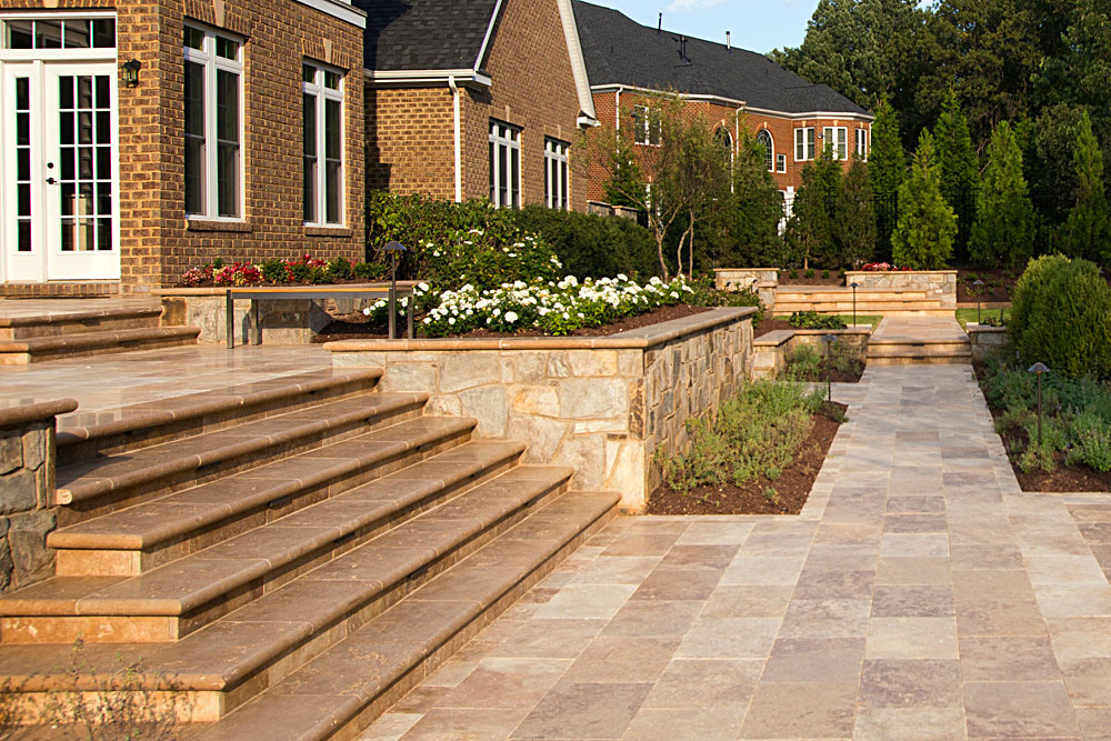 MASONRY-STEPS_011_TRAVERTINE-MODERN-FORMAL