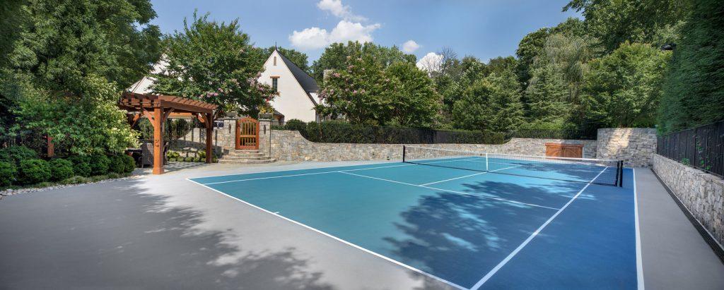 McLean-estate-tennis-court-pan