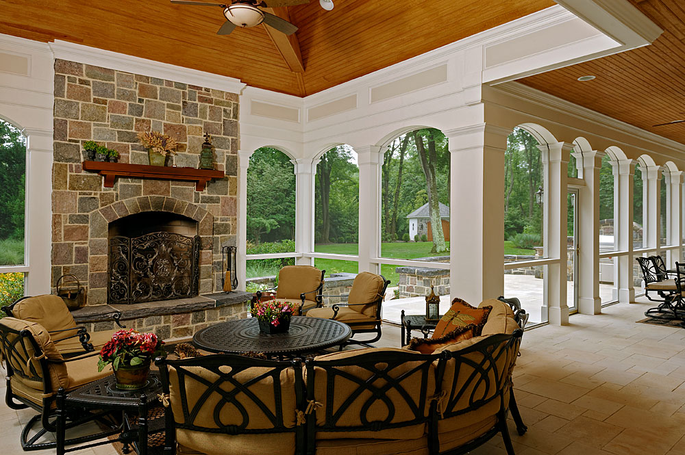 SCREENED_005_FIREPLACE-LIVING-WHITE-ARCHES-WOOD-CEILING