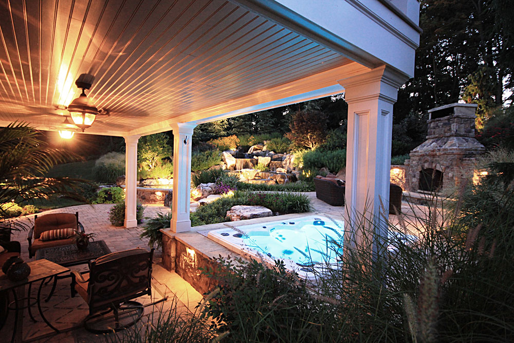 WH7-built-in-spa-covered-outdoor-structure