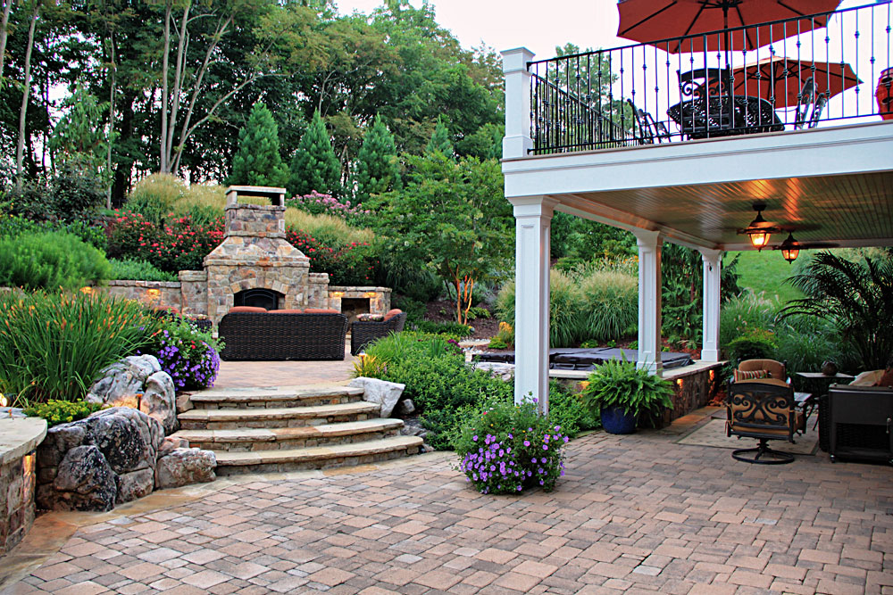 WH8-patio-flagstone-steps-elevate-deck-for-outdoor-living