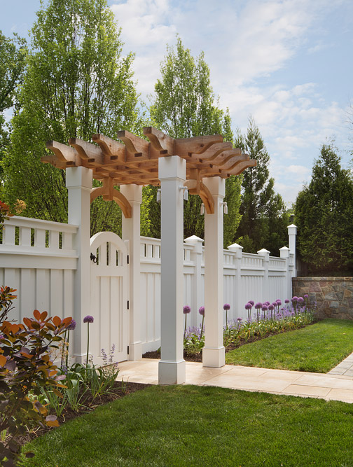 oakton-estate-gate-pergola