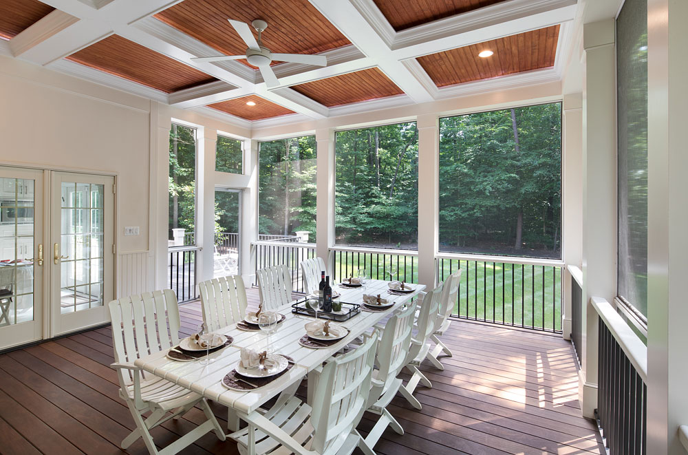 Poburn Woods screened in dining