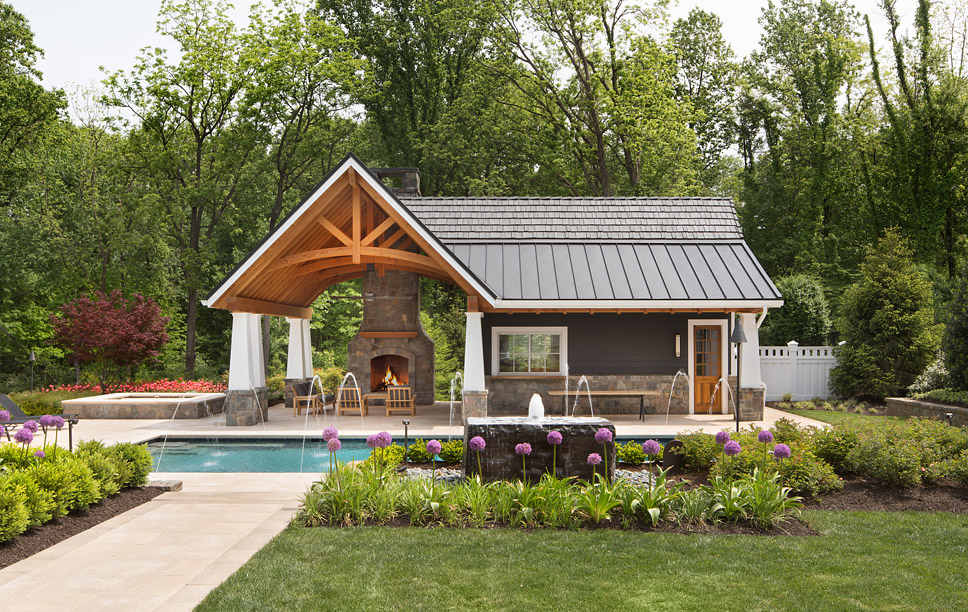 poolhouse and landscaping