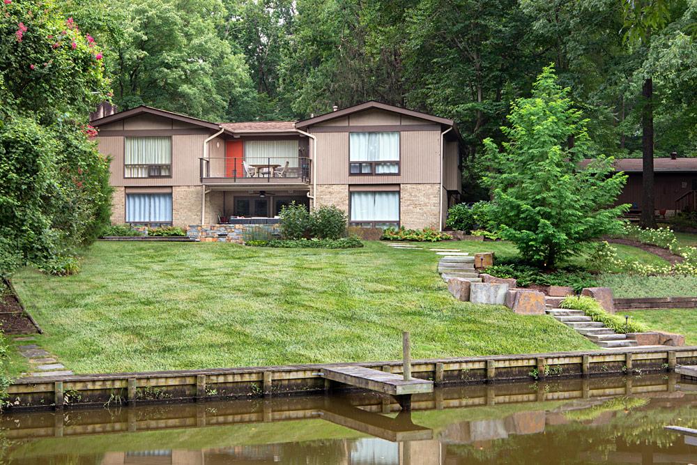 wessynton-rear-waterfront-landscaping-view-015
